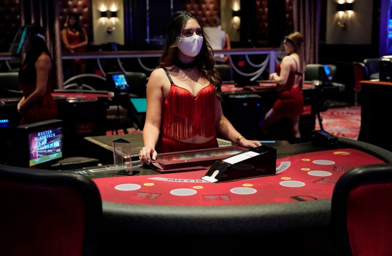 Social distance for live casinos can become a new stage of development: adaptation of companies
