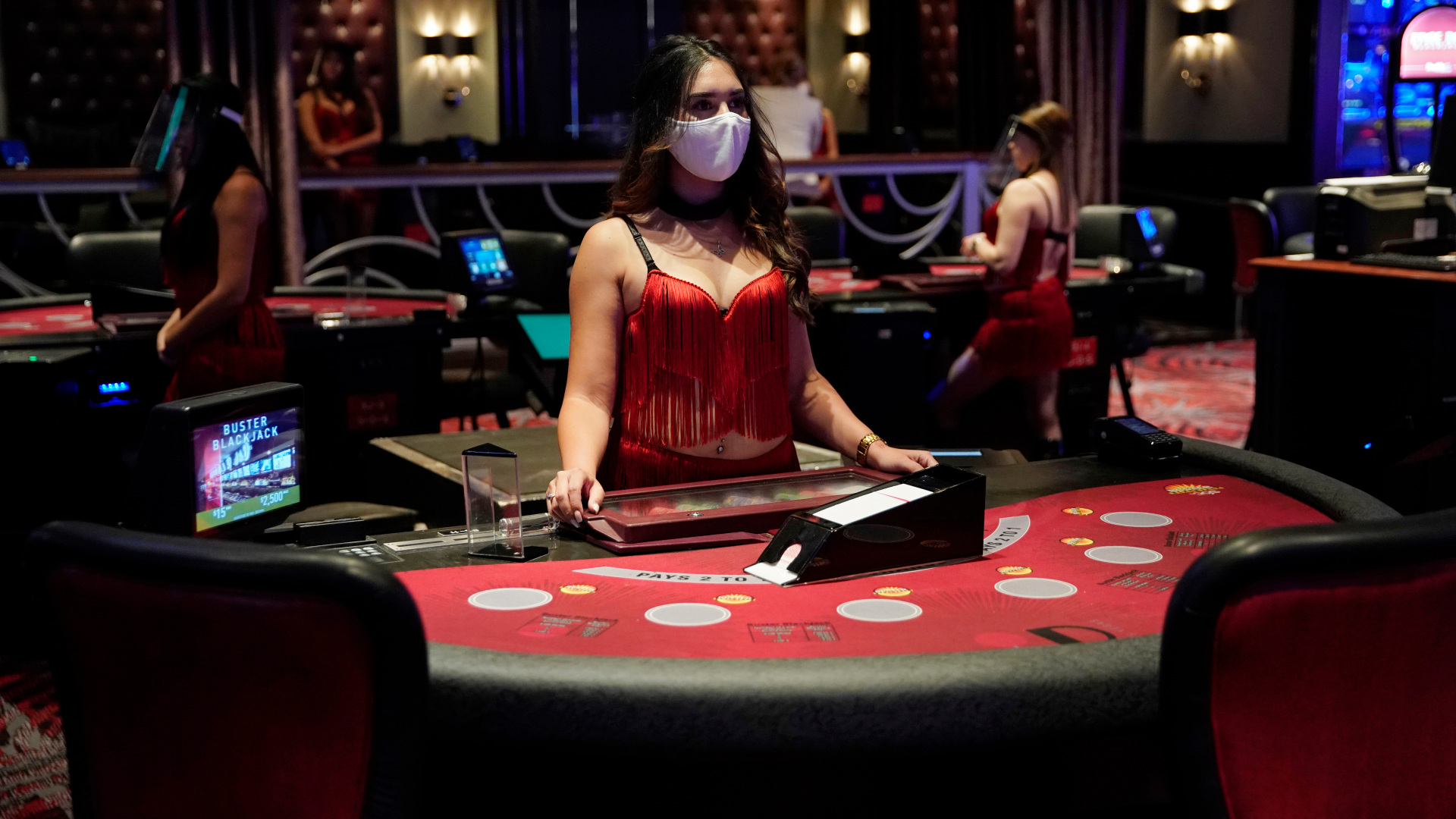 Social distance for live casinos